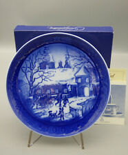 Royal Copenhagen Christmas at Manorhouse 1995 Christmas Collector Plate w/Box