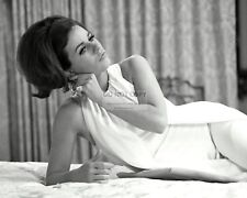 """Patty Duke In The Film """"Valley Of The Dolls"""" - 8X10 Publicity Photo (Ab-554)"""