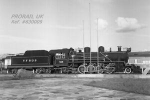 PHOTO Brazil VFRGS 501-class 2-8-2 locomotive No. 520 at Porto Alegre - 830009