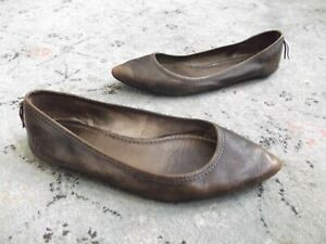 Womans Frye Regina Slip On Flats, Size 8 Brown pointed toe