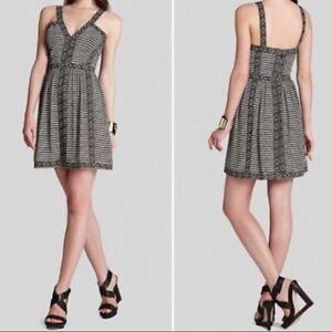 BCBGMaxazria Size 6 Melania Black Comb Print Dress Sleeveless V-Neck