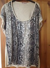 Ladies Sequinned per Una Top. Size 22 New