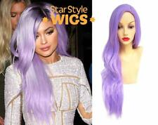 Deluxe Kylie Jenner Lunga Ondulata Viola Chiaro Resistente Al Calore Parrucca Alla Moda Colori Pastello