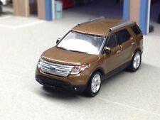 1/64 GREENLIGHT 2013 BROWN FORD EXPLORER W/ REAR HITCH