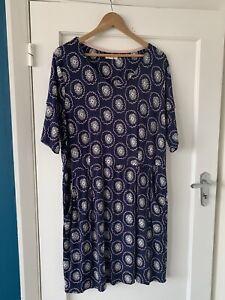 White Stuff Floral Print Blue Jersey Short Sleeve Knee Length Dress Size 20