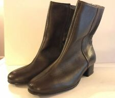 Mid Century Solid Brown Size 6 Low Heel Ankle Boots Made Usa Vintage Side Zip