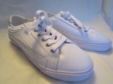 Easy Spirit Women's White Canvas Sneakers w/ metallic silver trim : 8-1/2 Wide