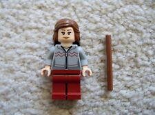 LEGO Harry Potter - Rare Hermione Granger w/ Sweater & Wand - 10217 - Excellent