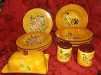 TREES N TRENDS 16 PIECE SET OF ROOSTER CHICKEN ROSES DINNERWARE.....EXCELLENT!