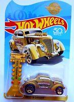 Hot Wheels Pass 'N Gasser 1:64 Gold 50th Anniversary [W11]