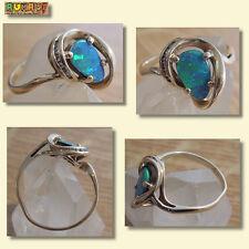 Damenring - 585er 14k Gold mit einem Grün Blauen Opal u. kleine Zirkone
