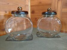 PAIR OF VINTAGE ANCHOR HOCKING CLEAR GLASS COOKIE/CANDY CANISTERS & WOOD LIDS