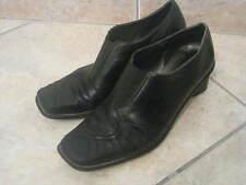 Chaussures noires en cuir - petit talon - bon état 37-38
