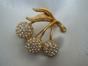Vintage Sparkly Faceted Glass Cherry Fruit Leaf Gold Tone Brooch Lapel Pin