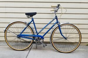 Vintage 1961 Phillips Raleigh 3 speed bicycle new tires, cleaned, New grease