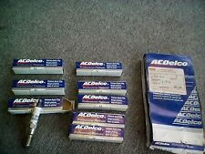 ACDelco Set of 8 Spark Plugs GM 25165715 OEM