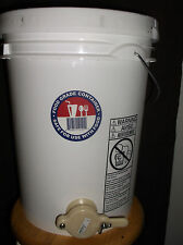 60 lb Honey Storage Tank/Bottler with Honey Gate 5 gallons extractor beekeeping