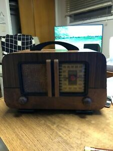 Wooden Philco Transistor Table AM Radio - Works and Looks New