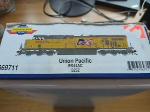 Athearn Genesis G69711 HO Gauge ES44AC Union Pacific DCC Ready 5252