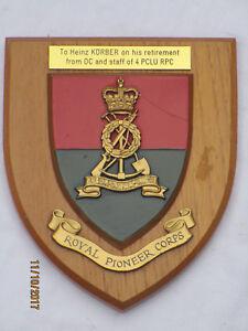Regimentswappen: Royal Pioneer Corps, mit Widmung,(handpainted)
