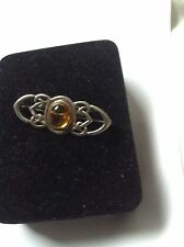 Amber Stone Costume Brooches & Pins