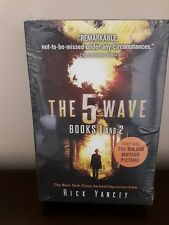 The 5th Wave Books 1 and 2 New Sealed Paperback (i30)