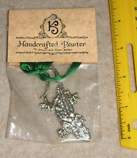 Hand Crafted Pewter Ornament in the Shape of a Gecko, Stuart & Karen Helble, Nip