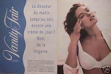 PUBLICITÉ LINGERIE VANITY FAIR SOUTIEN-GORGE LA DOUCEUR D'UN PRODUIT DE SOINS