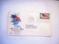 """July 4,1957 - Honoring """"The American Flag"""" First Day Issue Stamp & Envelope *"""