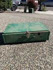 VINTAGE COLEMAN 2 BURNER CAMPING STOVE MODEL 425E GREAT CONDITION!