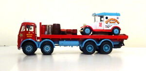 CODE 3 CHIPPERFIELDS CIRCUS ERF UTILITY 8 WHEELER WITH LOAD AND CLOWNS VAN