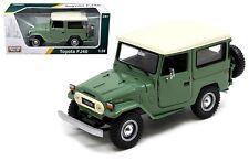 Toyota FJ40 FJ 40 Green Platinum 1/24 Scale Diecast Car Model Motor Max 79323