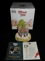 Lilliput Lane - FLOWER SELLERS - English Collection - w/Box & Deed