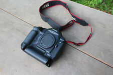 Canon EOS 1D Mark II 8.2MP Digital SLR Camera - Black Body Only For Parts REPAIR