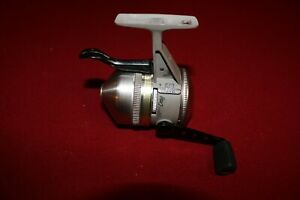T8483 AR ZEBCO 44 CLASSIC UNDERSPIN TRIGGER CAST FISHING REEL
