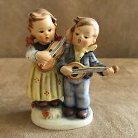 Happy Days Hummel Goebel Figurine 150 2/0 girl boy singing mandolin music bee