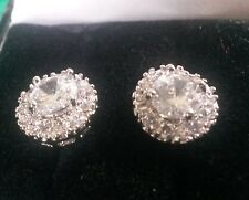 MR White sapphire round 18k white gold GF stud earring 1cm cluster BOXED Plum UK