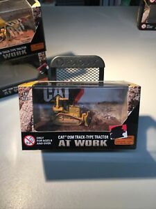 Norscot 1:87 Scale Models CAT At Work D5M Track-Type Tractor #55434