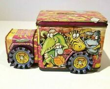 VINTAGE SAFARI TIN TOY DELIVERY TRUCK BANK ZOO AMINALS IT'S A JUNGLE OUT THERE