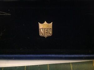 1981 SUPER BOWL XV 15 OAKLAND RAIDERS PHILADELPHIA EAGLES NFL MEDIA PRESS PIN