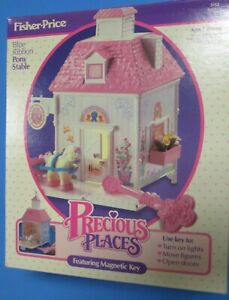 Vintage Fisher Price Foreign Precious Places Blue Ribbon Pony Stable #8332 NRFB