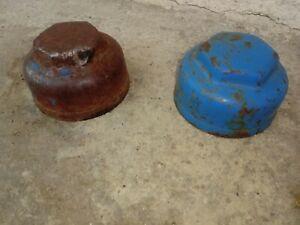FORDSON Major CAST FRONT WHEEL HUB CAP