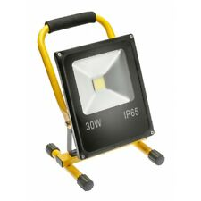 LED Baustrahler Arbeitsleuchte 30 Watt 230V/AC 6400K kalt weiß IP65 m. Standfuss