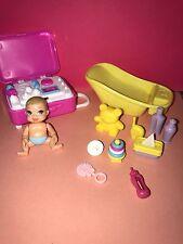 Barbie Midge Happy Family Newborn BABY Doll Bathtub SUITCASE Care Items Toys