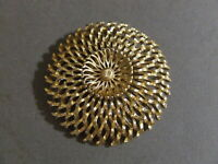 MID CENTURY MODERNIST MONET SIGNED GOLD TONE PIN BROOCH (H)