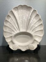 VINTAGE MARCIA OF CALIFORNIA POTTERY LARGE SCALLOPED SHELL SERVING PLATTER J-75