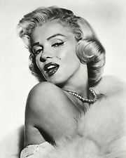 MARILYN MONROE ICONIC SEX-SYMBOL AND ACTRESS - 11X14 PUBLICITY PHOTO (LG-081)