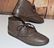 Lacoste Men Sz 11 Chukka Boots Arona Lace Up Brown Leather Logo Shock Absorbtion