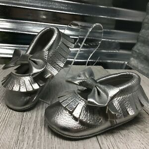 Rominus Baby Silver Leather Tassel Fringe Moccasin Crib Shoes Toddler Size 2C