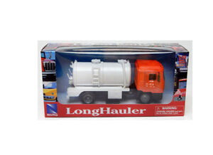 MAN F2000 Vacuum Tanker in Orange (1:43 scale by New-Ray Toys 15493C)